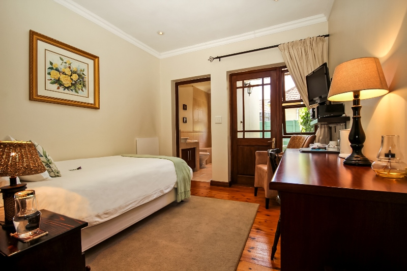 Guest Suite 2 - Greenwood Villa in Pinelands, Cape Town